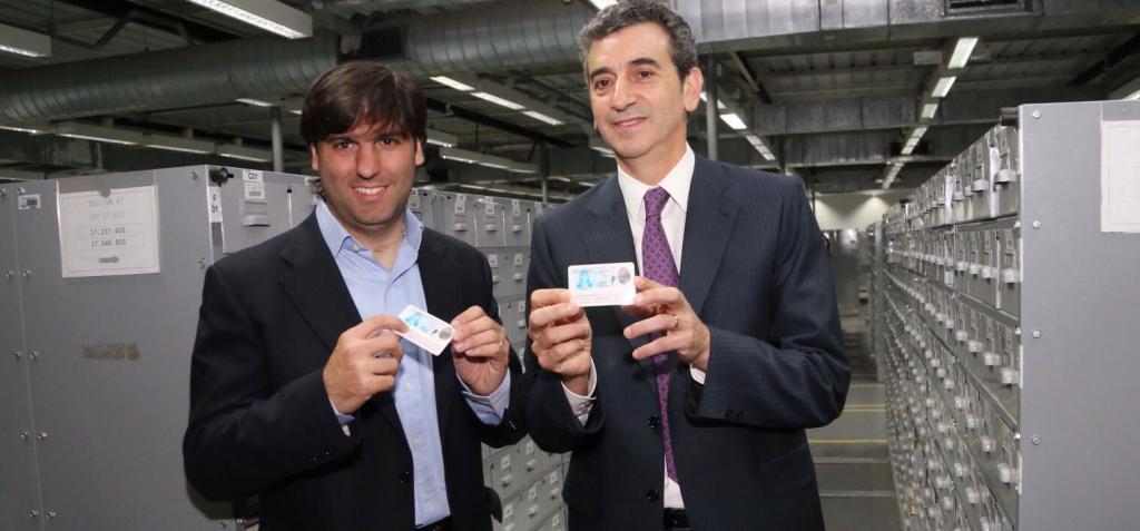Bossio y randazzo incorporan el cuil al dni peri dico for Ministerio del interior dni